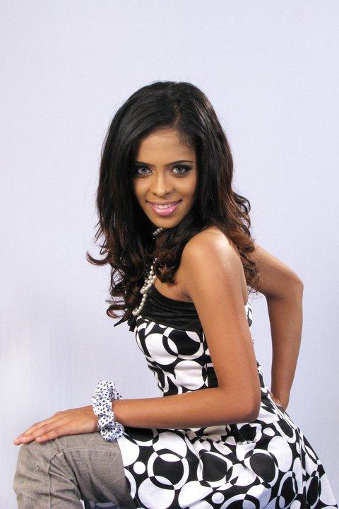 Menaka Maduwanthi Hot Dance