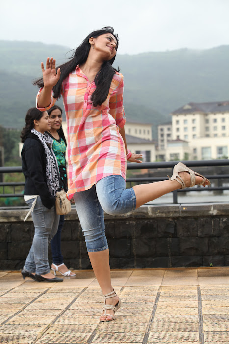 anushka new from mirchi photo gallery