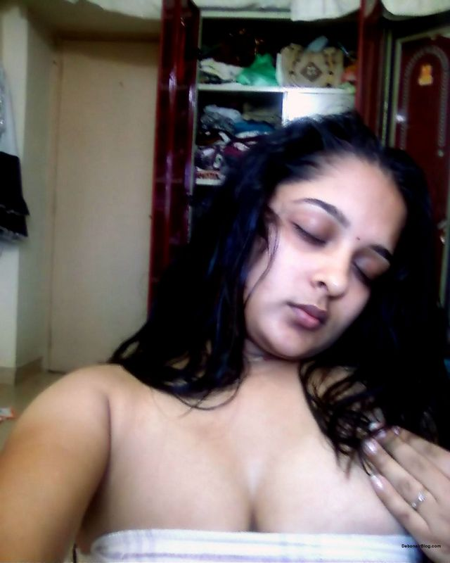Desi Hot Bhabhi