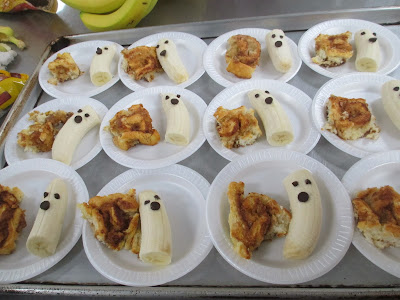 ghost banana, cinnamon roll, The Pa-Paw Patch breakfast