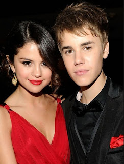 Nice pics of Justin Bieber and selena gomez