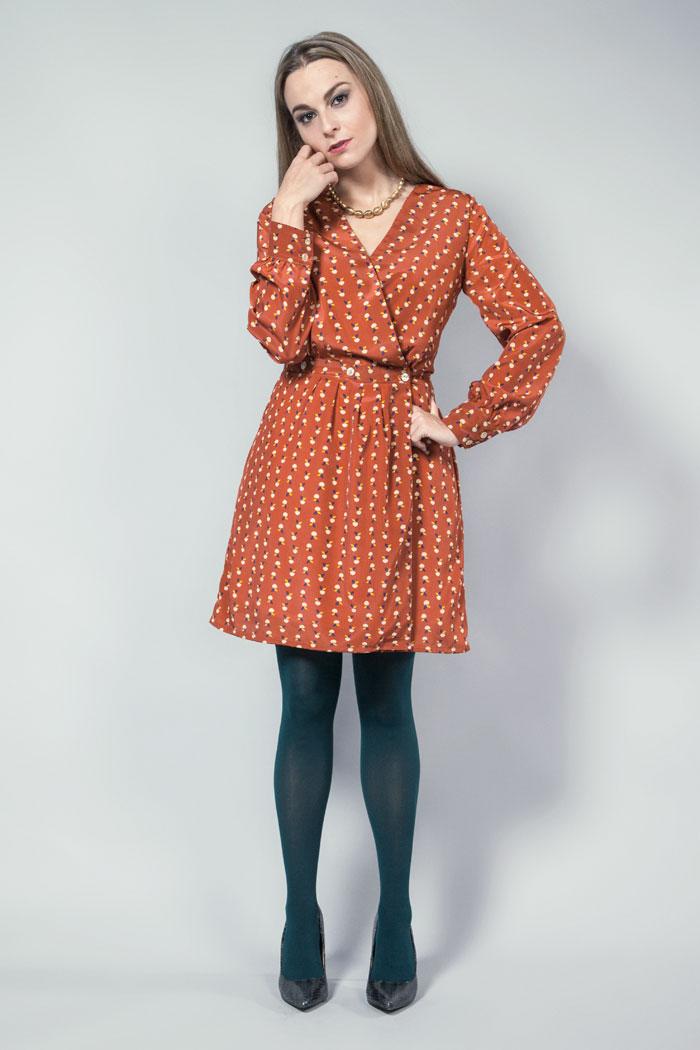 vestido elegante estampado de manzanas