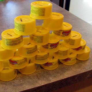 Juegos con latas: circuitos y tareas