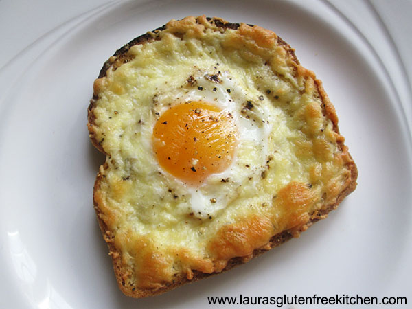 Gluten Free Cheese and Egg Breakfast Toast