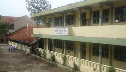 SMP I-BU Awipari