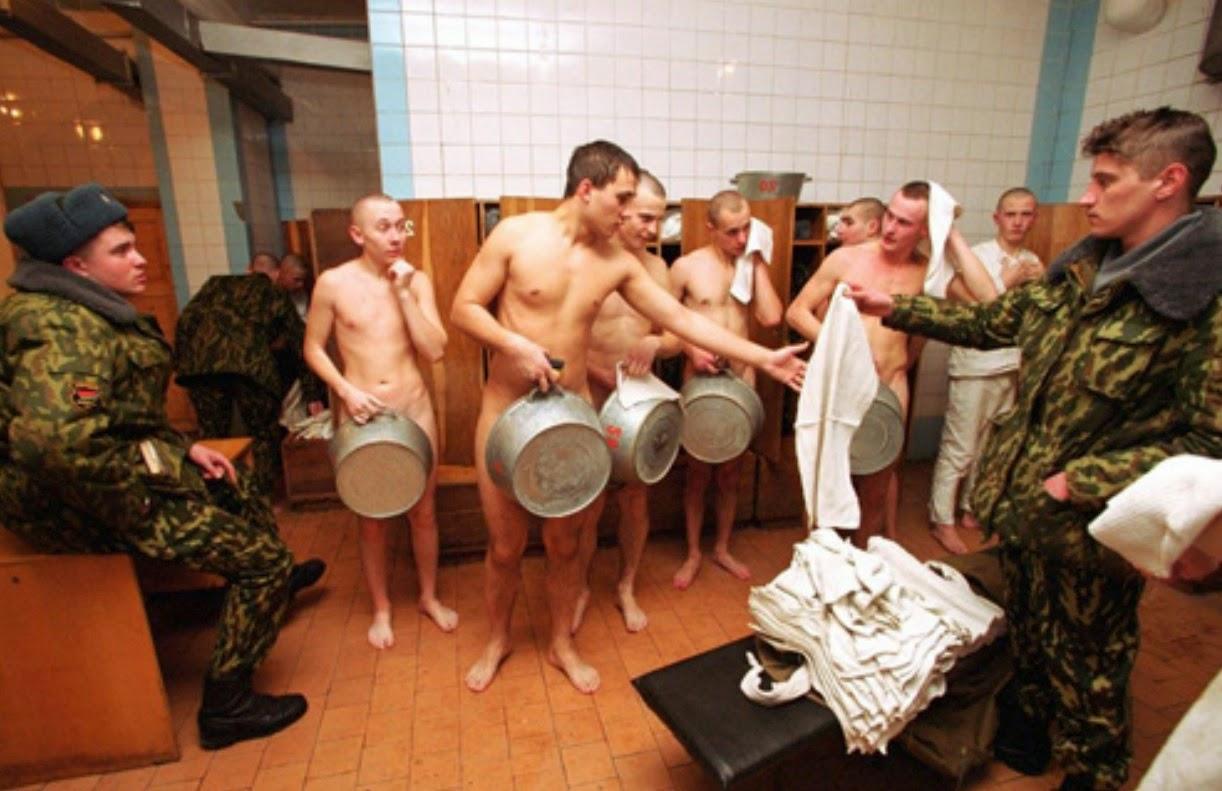 video-seks-v-armeyskoy-kazarme-s-telkoy-smotret-onlayn