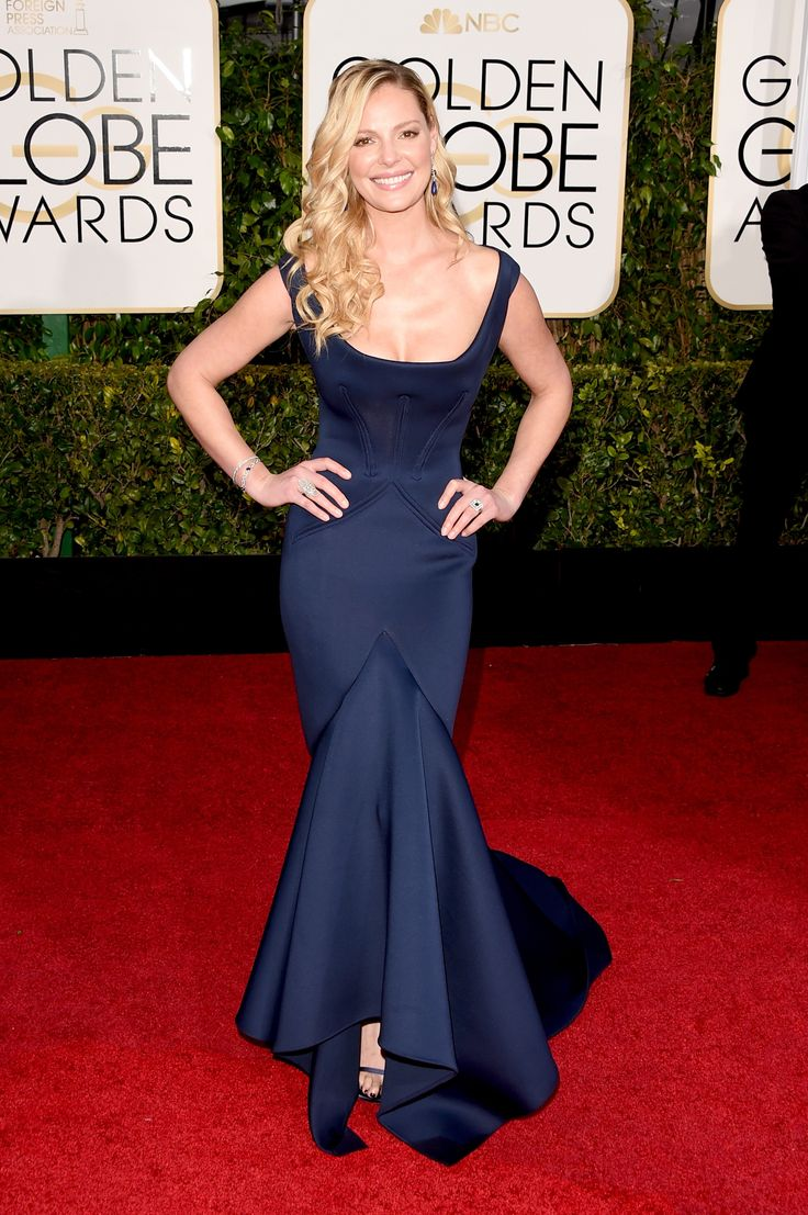 Katherine Heigl in a navy Zac Posen dress at the Golden Globes 2015