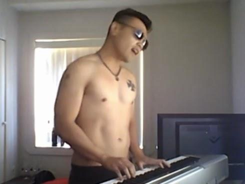 Alvin Tan Rakam Lagu Azan