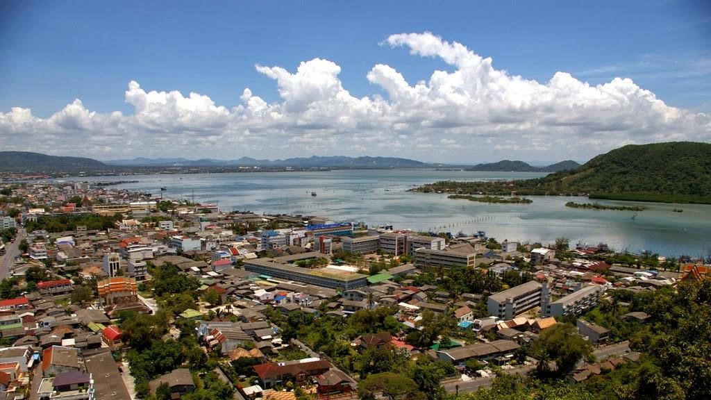 بحيرة سنغولا في تايلاند