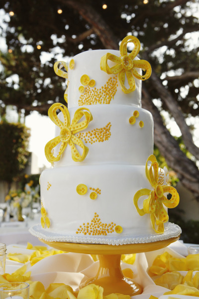 Wedding Cakes Pictures Yellow Wedding Cake Ideas ~ 141838_Yellow Cake Decoration Ideas