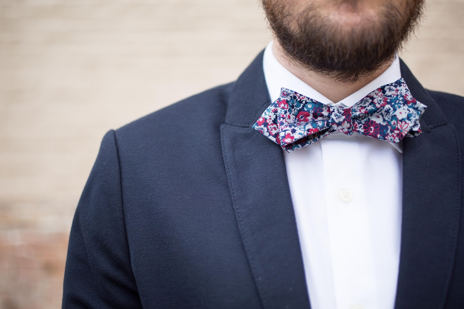Weekend Casual Animated Floral Bow-Tie