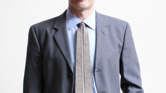 designer invents zip up tie