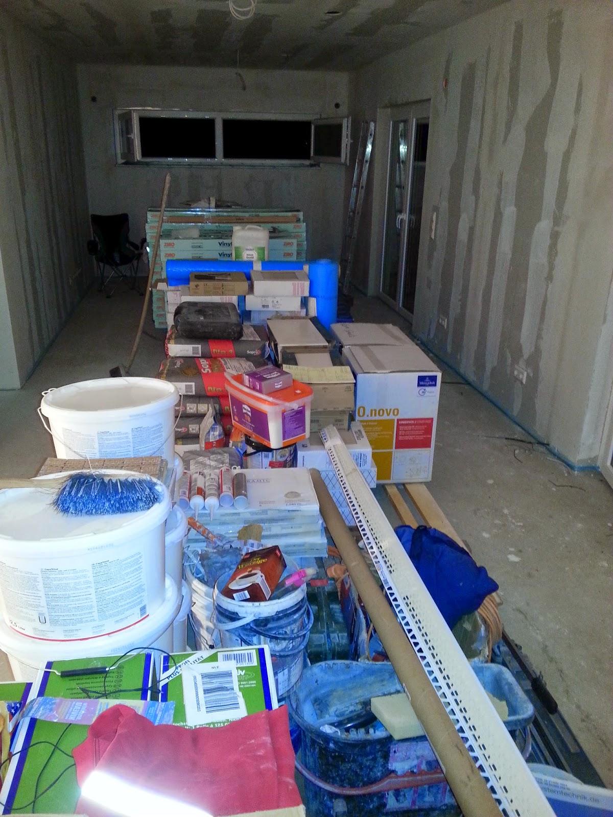 wir bauen ein okal haus material ist angekommen. Black Bedroom Furniture Sets. Home Design Ideas