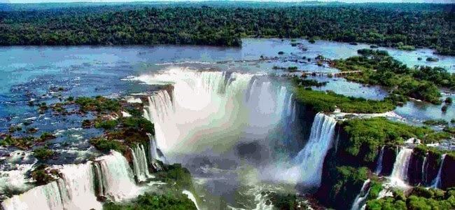 Desbordaron las Cataratas del Iguazú