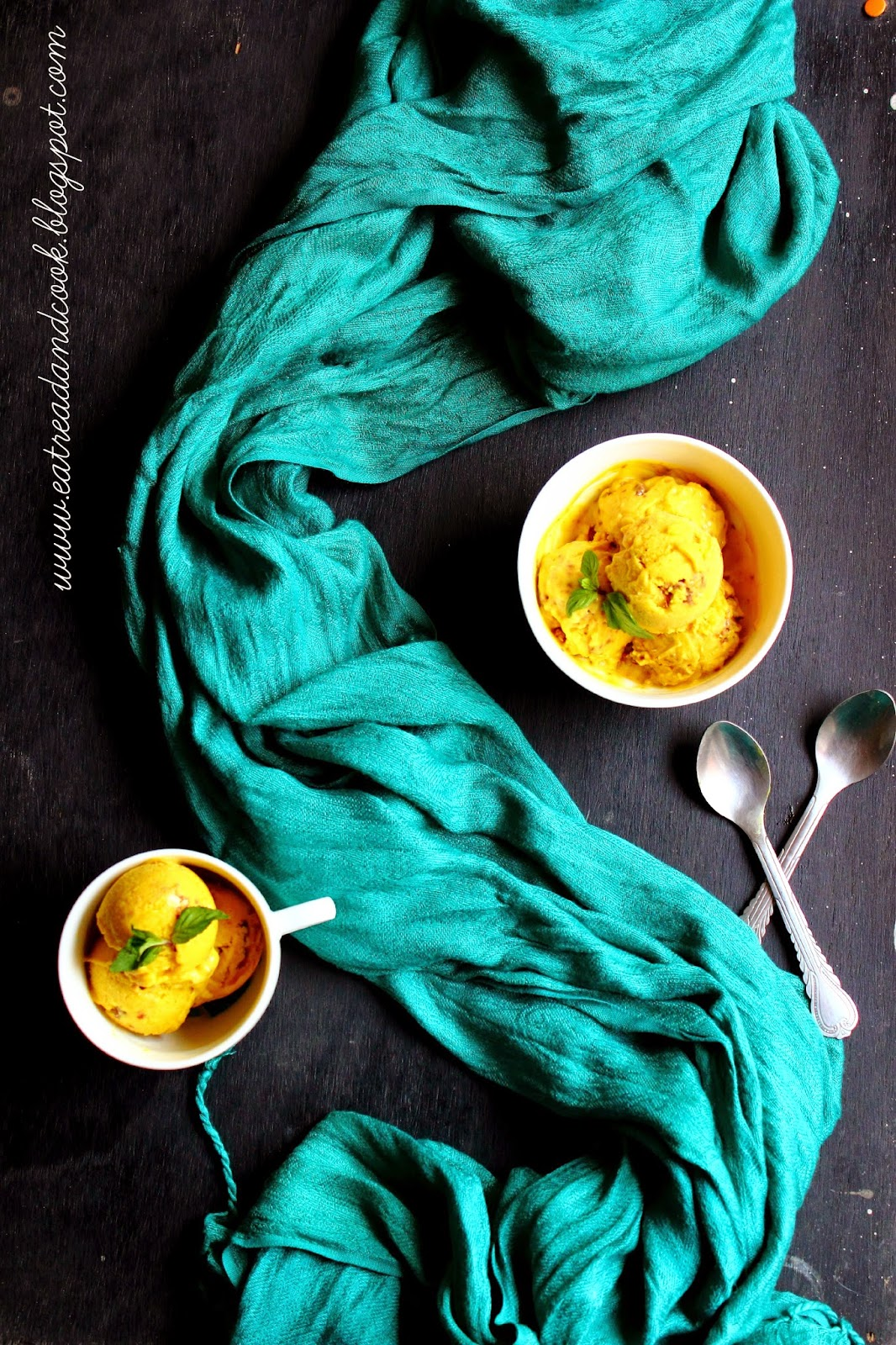 how to make vegetarian mango and coconut ice cream