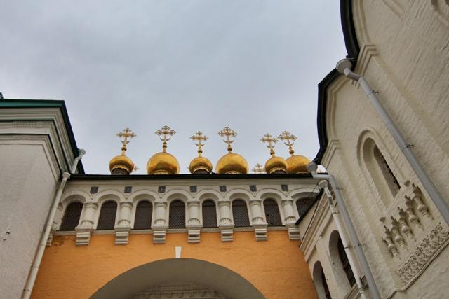 Cupulas de las Catedrales en el Kremlin de Moscú