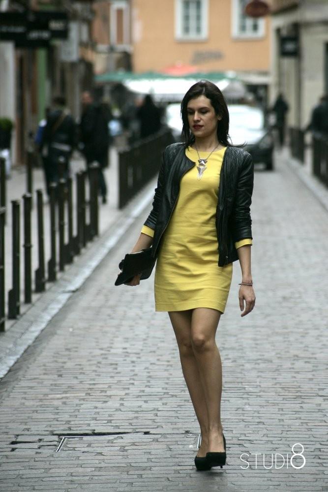 Veste avec robe jaune