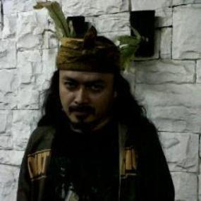 Man Jasad, Populerkan Iket Sunda di Kalangan Metalhead