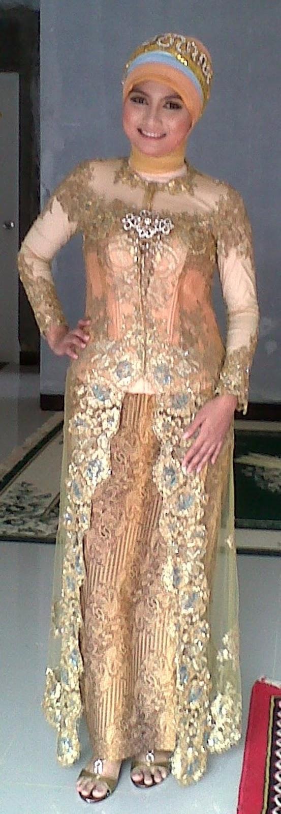 koleksi model kebaya wisuda berjilbab modern bagi muslimah