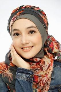 Tips Wajah Tidak Belang Saat Memakai Jilbab