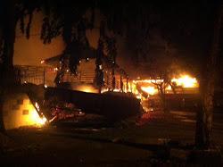 Kebakaran di Dr Mansur Hanguskan Tempat Makan Warung Ijo, Ayam Penyet Surabaya dan Cafe Chocolate
