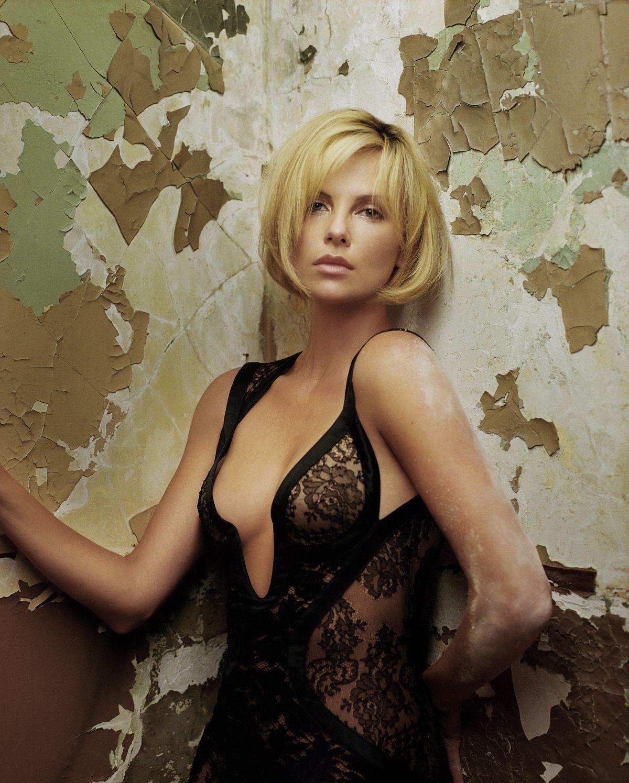 http://4.bp.blogspot.com/-ZdEGIS_LPlc/T16GmMAgIeI/AAAAAAAAB2g/YeFFQPxU6AQ/s1600/Charlize+Theron.jpg