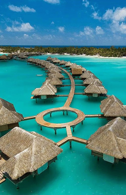 Four Seasons Hotel – Bora Bora