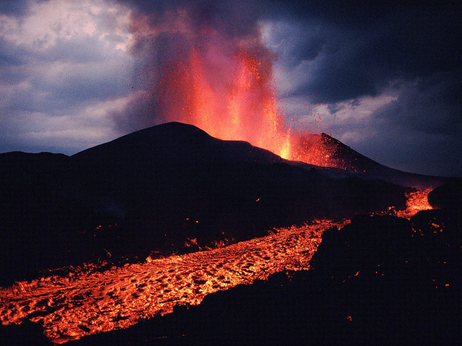 Mount Nyiragongo - Wikipedia