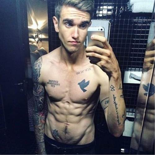 Daniel Day Lewis Hot Tattooed Son Is Following In His Dads Footsteps  Noda Luka