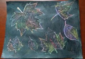Manualidad infantil, dibujando hojas