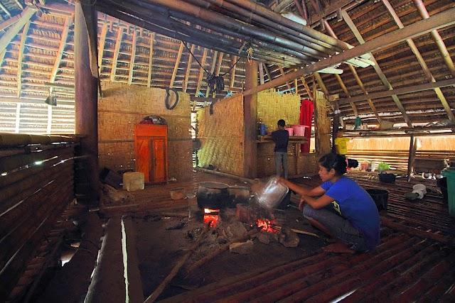 Pasola, Kampung Toda, dan Daging Rusa