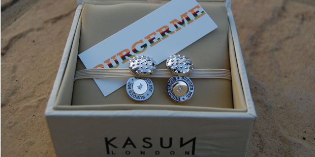 All burger cufflinks come in a Kasun London jewellery box.