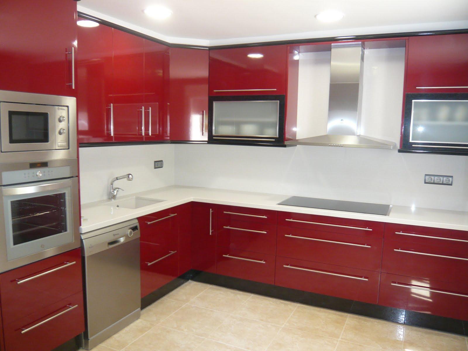 Reuscuina cocina de formica combinada rojo negro for Muebles para cocina baratos