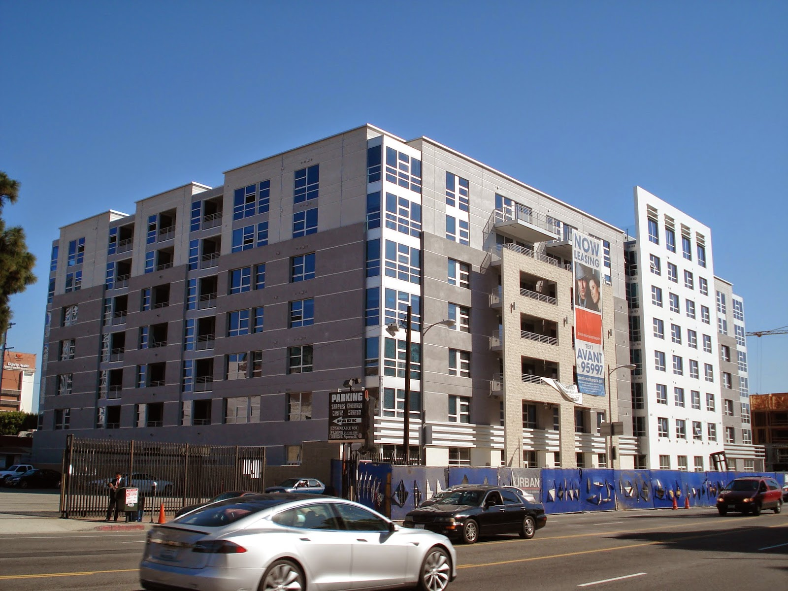 Building Los Angeles Final Phase Of South Park 39 S Avant Apartments Rising