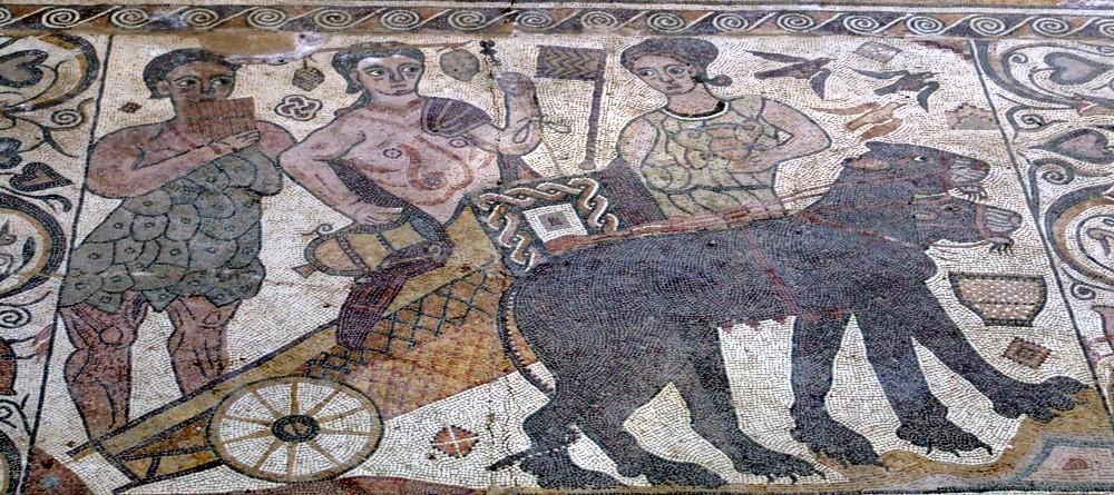 El robo del mosaico del dios Baco
