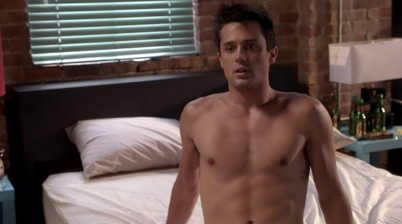 Stephen Colletti Shirtless in One Tree Hill s9e04