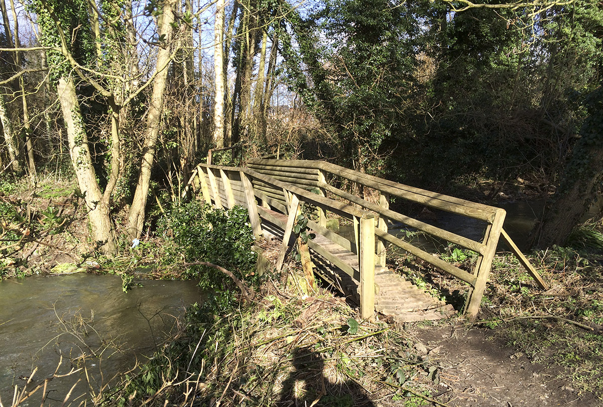 Bridge over the Darent on a walk round one of the lakes.  Sevenoaks Wildlife Reserve, 22 February 2014.