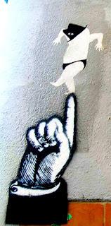 Ballant sobre el dit