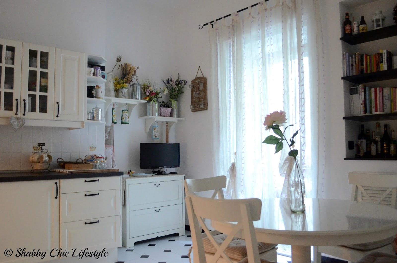 Cucina Bianca Shabby Chic : Cucina a legna nordica sovrana prezzo ...