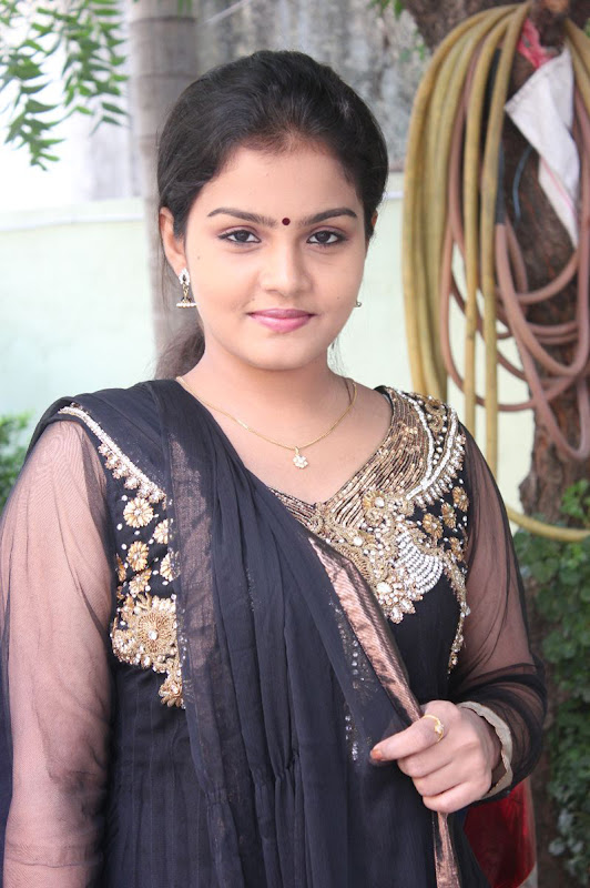 Actress Preethi Shankar Cute Photos Gallery Photoshoot images