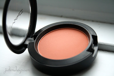 http://www.judemakeup.com/2013/12/review-blush-melba-de-mac-swatch-inside.html