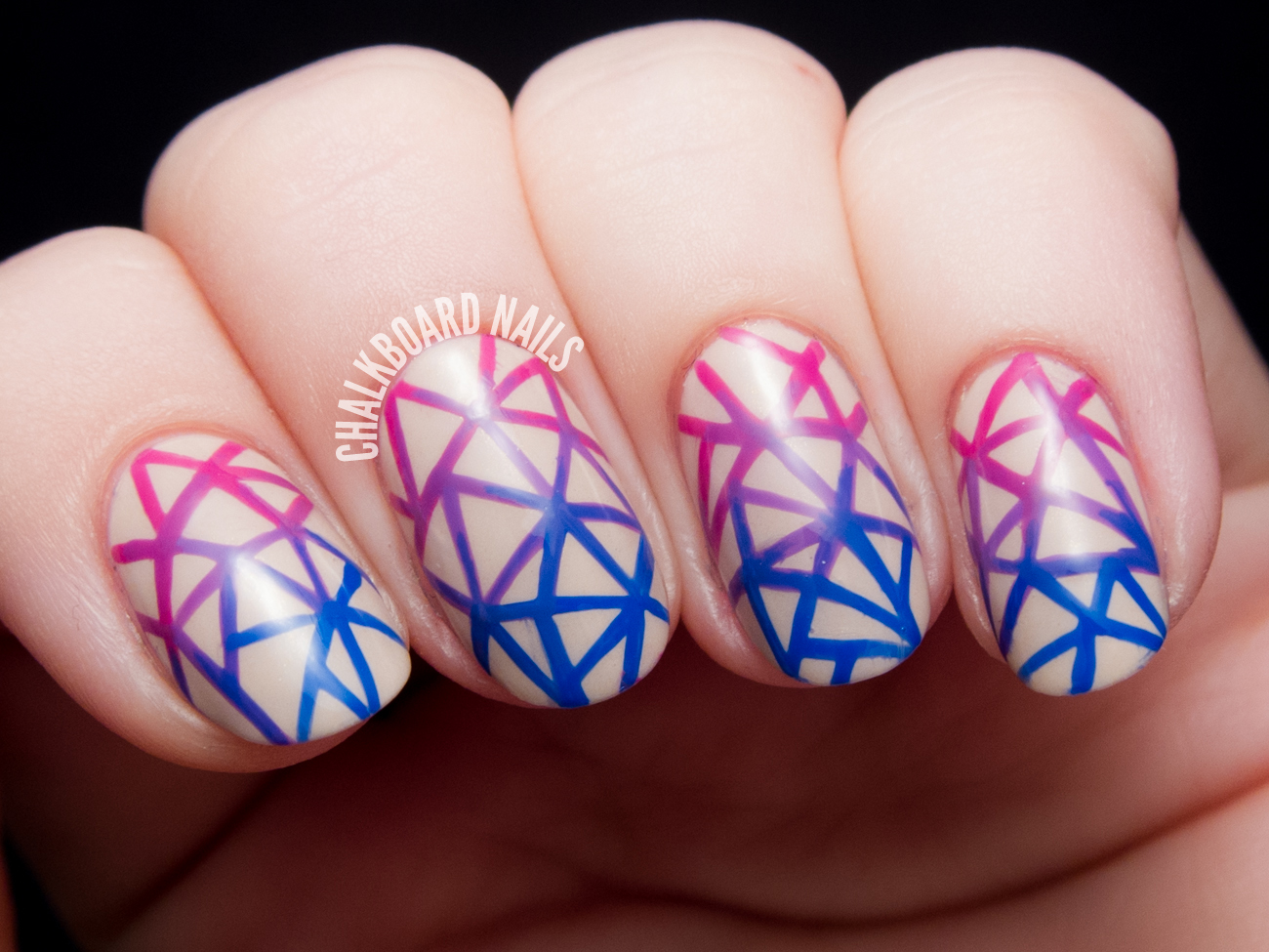 Geometric gradient facets by @chalkboardnails
