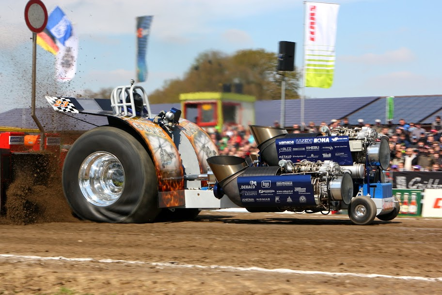 Tractor Pulling Train : Tractor pulling news pullingworld füchtorf review
