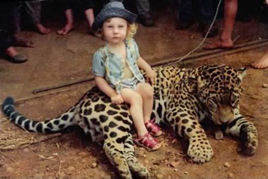 1 Δείτε:Σοκαριστικές εικόνες με παιδιά και επικίνδυνα ζώα!!!