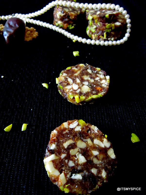 dates and nut barfi