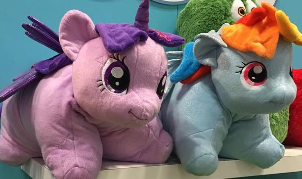 New My Little Pony Licensed Pillow Pets Are Apparently On The Way If These Images From Toy Fair 2015 Any Indication