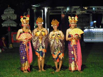 Balinese Traditional Dance at Boardwalk Restaurant Kuta