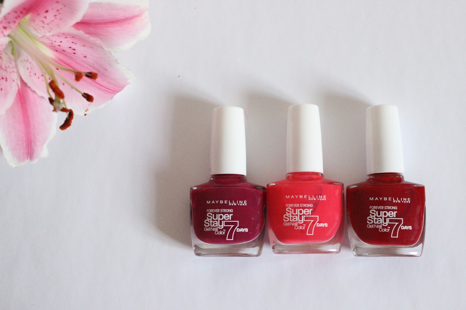 The Long-Lasting Nail Team - A Little Pop of Coral