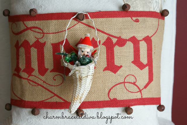 burlap Christmas pillow wrap