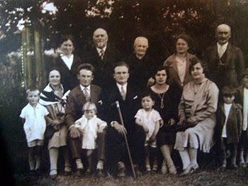 LA FAMIGLIA MARIUCCI  NEGLI ANNI '30